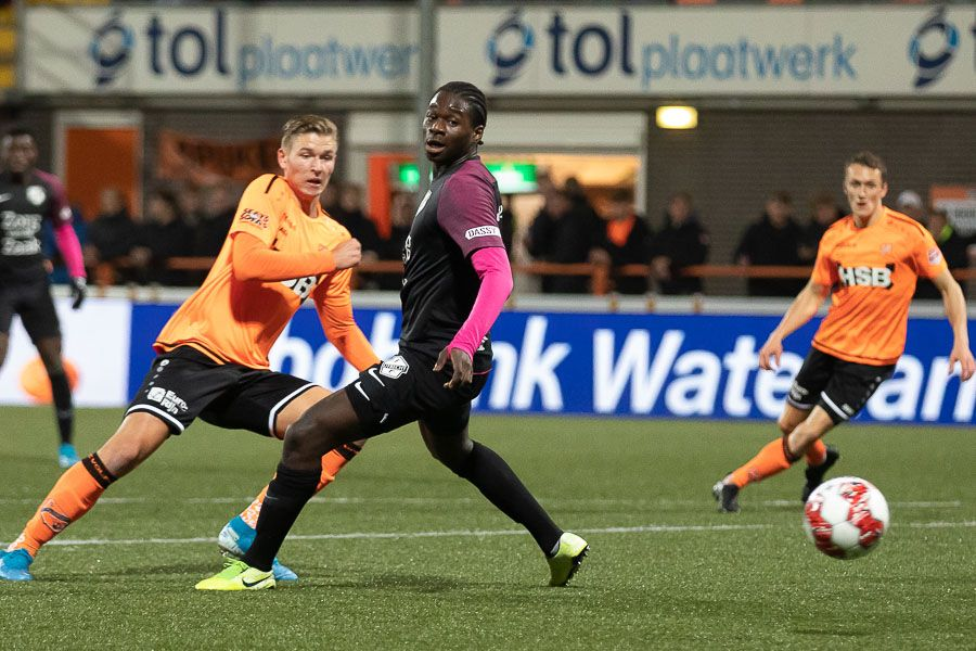 Kaars schenkt FC Volendam derde zege op rij