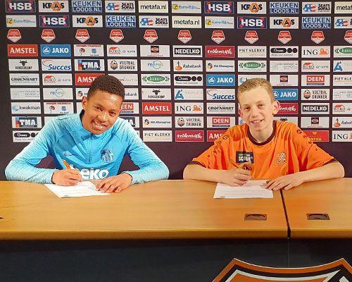 Jozhua Vertrouwd en Ilyes Mekkaoui toegevoegd aan jeugdopleiding