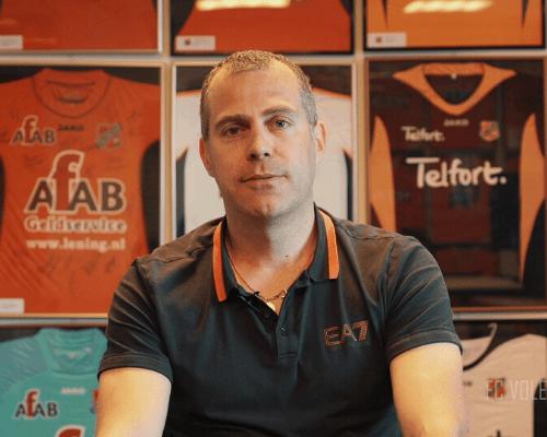 Kees Mooijer; dé verzamelaar van FC Volendam-shirts