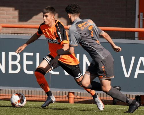 FC Volendam eenvoudig langs buurman RKAV Volendam