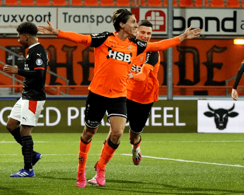 FC Volendam walst na rust over Jong PSV heen