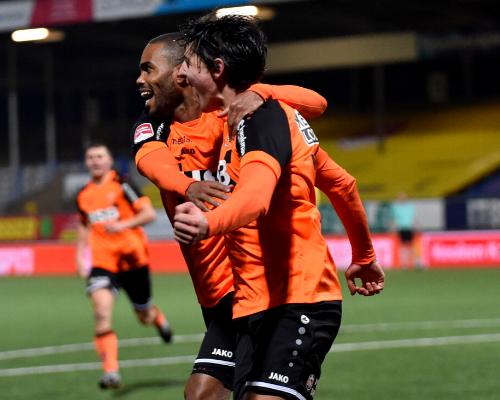 Sterk FC Volendam boekt knappe zege in Leeuwarden