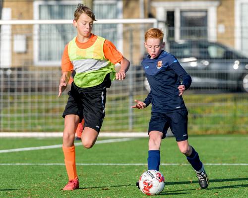 Gemixte teams FC en RKAV: 'Betere ontwikkeling en meer kansen'