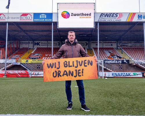 Club van 200-lid Zwarthoed Schilders blijft club trouw: 'Samenwerking met RKAV mooi om te zien'