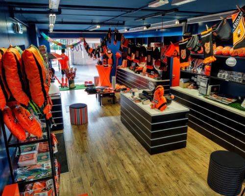 Fanshop FC Volendam geopend; maak een afspraak