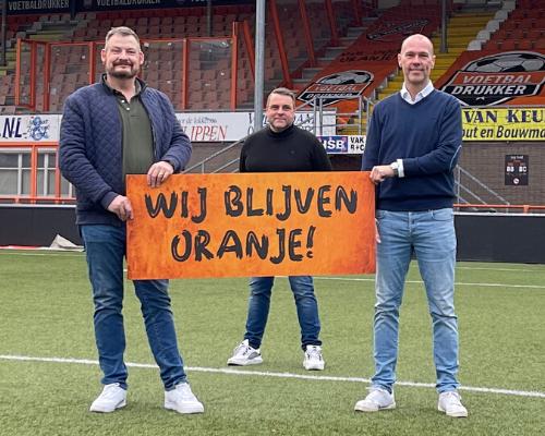 Peinemann tilt liefde voor club naar hoger level en blijft oranje